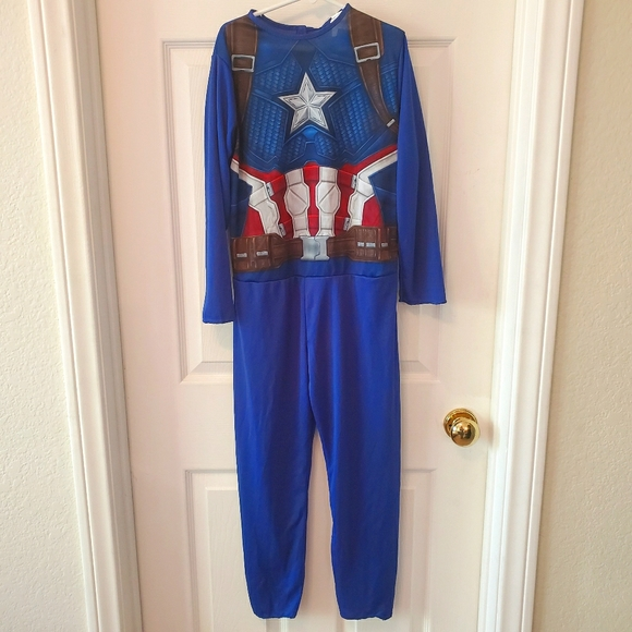 NWOT boys captain America costume size medium